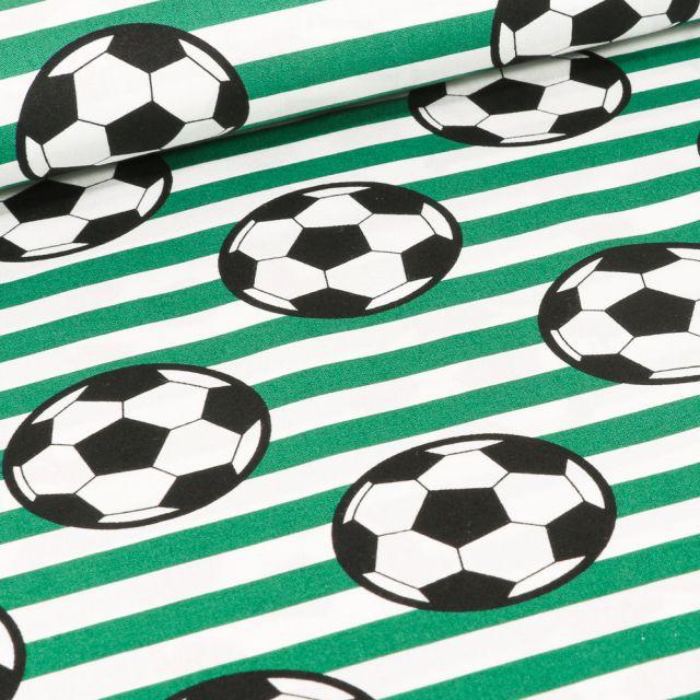 Tissu Coton imprimé Ballons de foot et rayures vertes sur fond Blanc