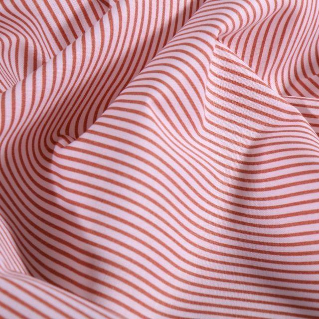 Tissu Coton imprimé Rayures Marsala sur fond Blanc - Par 10 cm