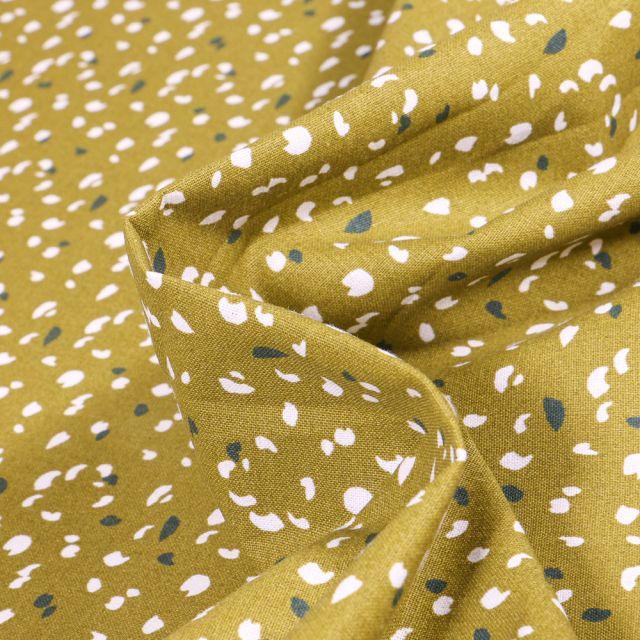 Tissu Coton imprimé Arty Jikeo sur fond Vert