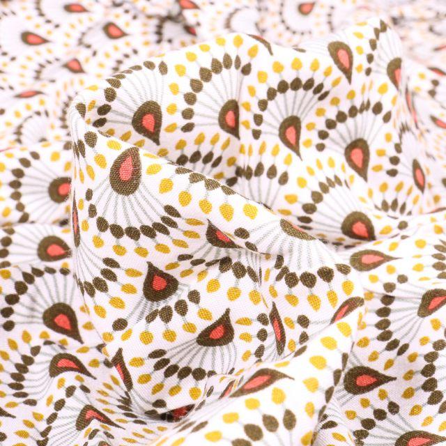 Tissu Viscose Arty Zadani sur fond Jaune pastel