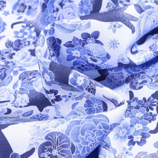 Tissu Coton imprimé QT Fabrics Cat & flowers sur fond Bleu