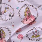 Tissu Coton imprimé Couronnes de fleurs princesses et licornes sur fond Gris - Par 10 cm