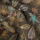 Tissu Coton imprimé extensible Feuillages sur fond Taupe - Par 10 cm